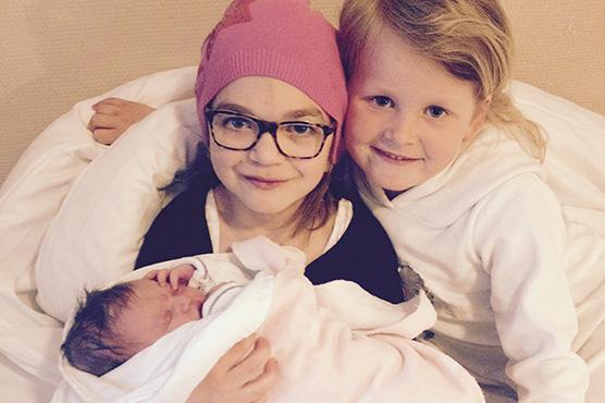 Louise med sine søsken